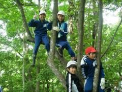 豊かな里山林の中で自然と遊び、学ぶ