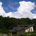 湯ったり村と入道雲